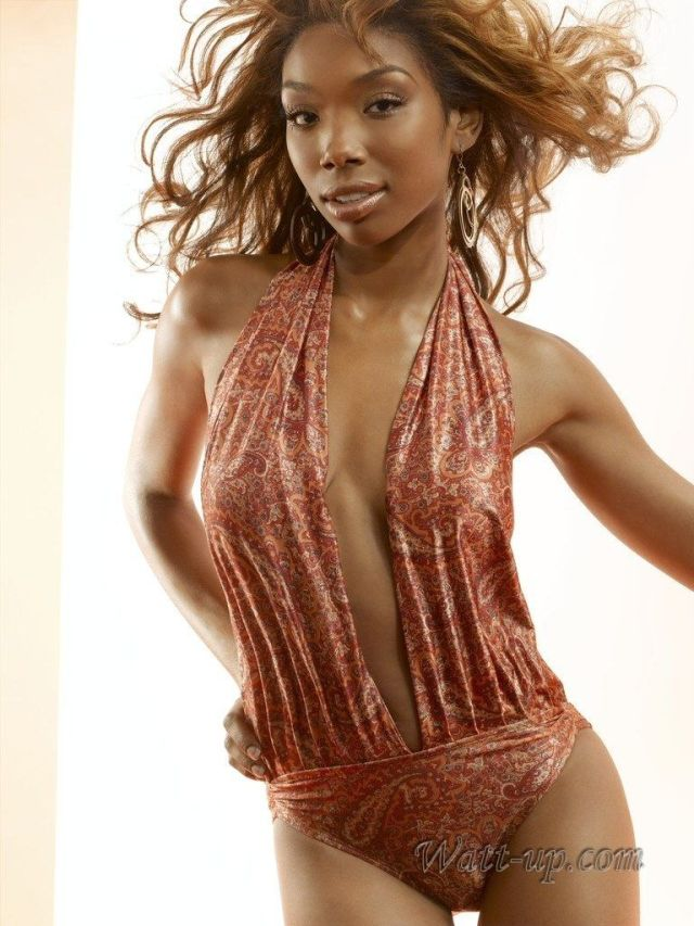 brandy norwood hot cleavage pics