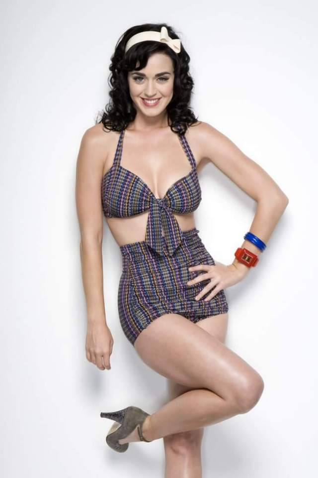 katy perry cleavage01