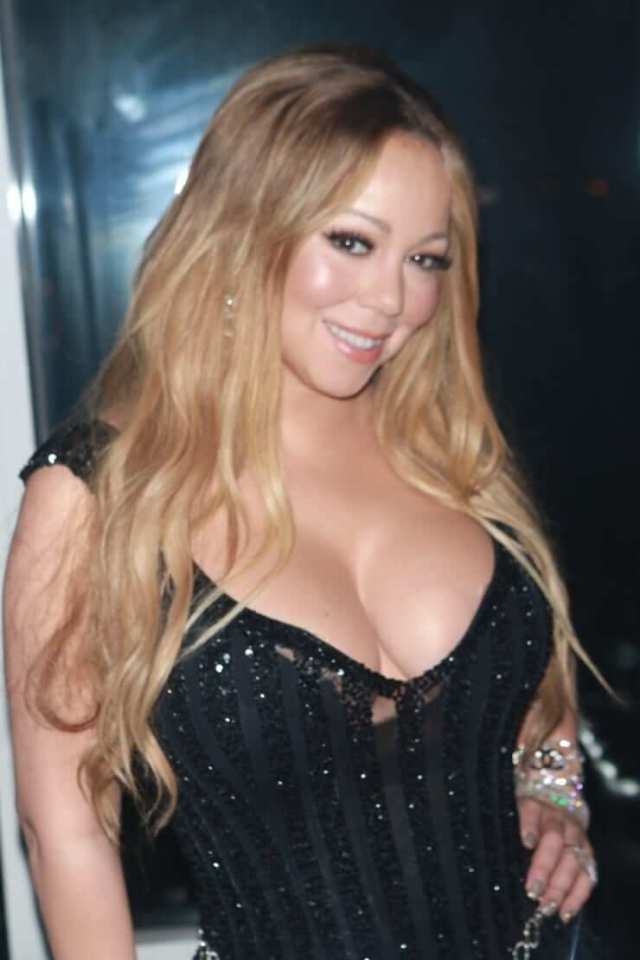 mariah carey cleavage pics