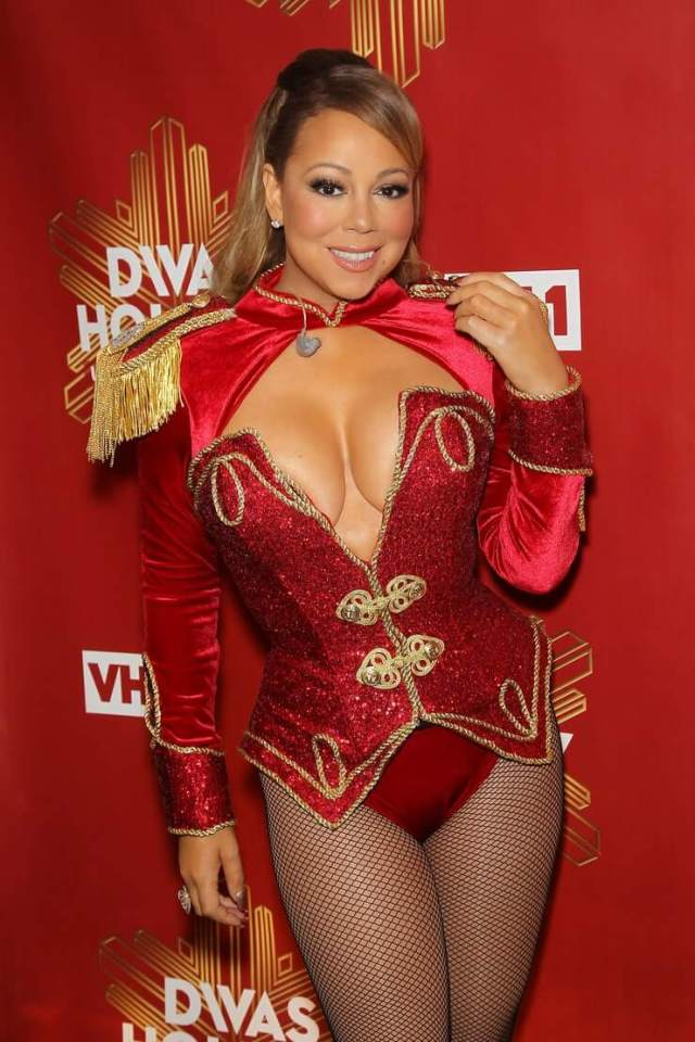mariah carey hot cleavage