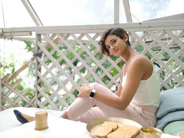 shakti mohan sexy side pictures