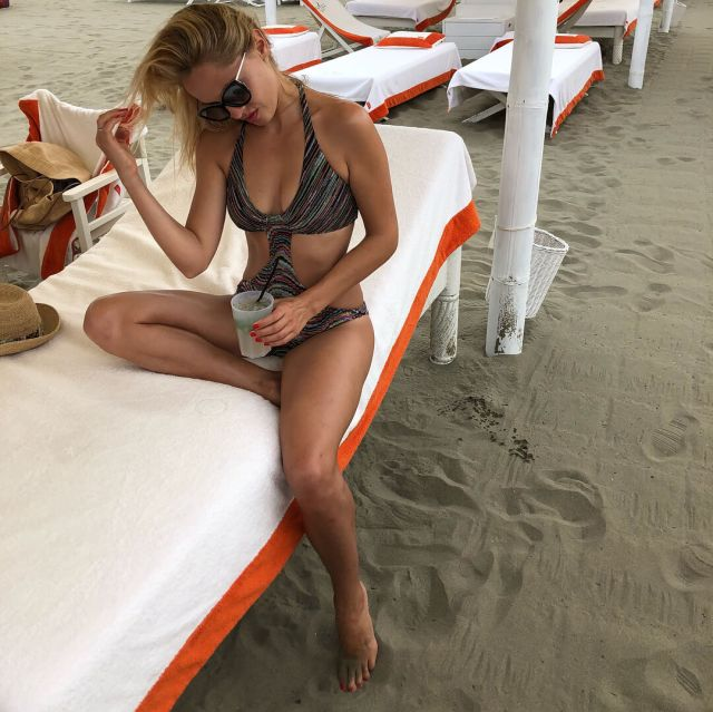 yanina studilina swimsuit pictures
