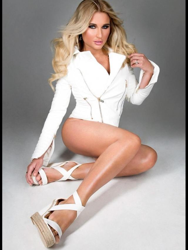 Billie faiers legs hot