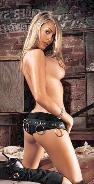 Bobbi Sue Luther nude pic