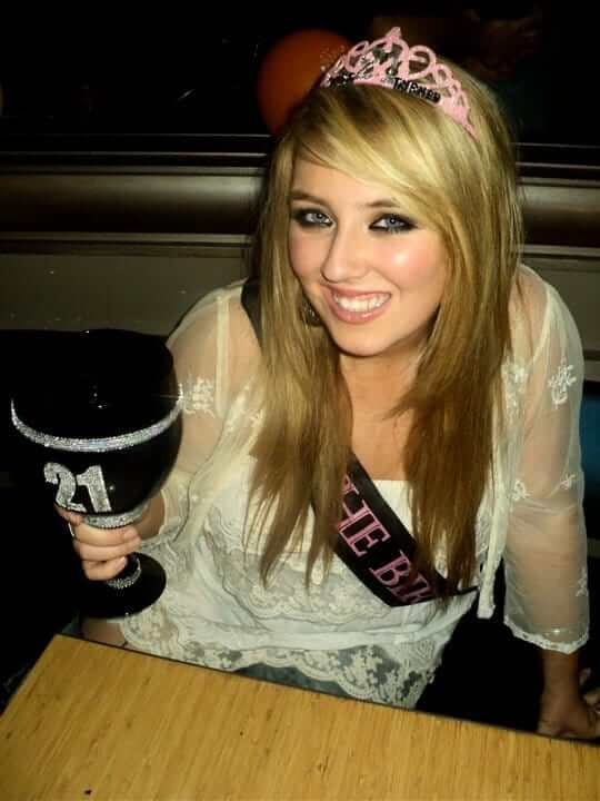 Chloë Agnew beautiful pictures