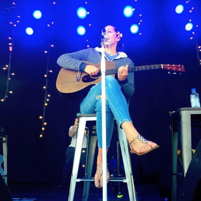 Colbie Caillat feet awesome