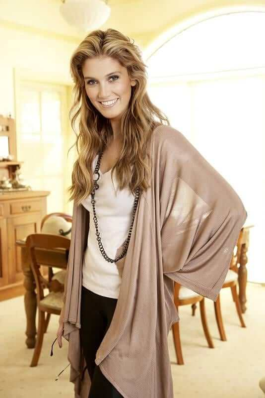 Delta Goodrem awesome picture