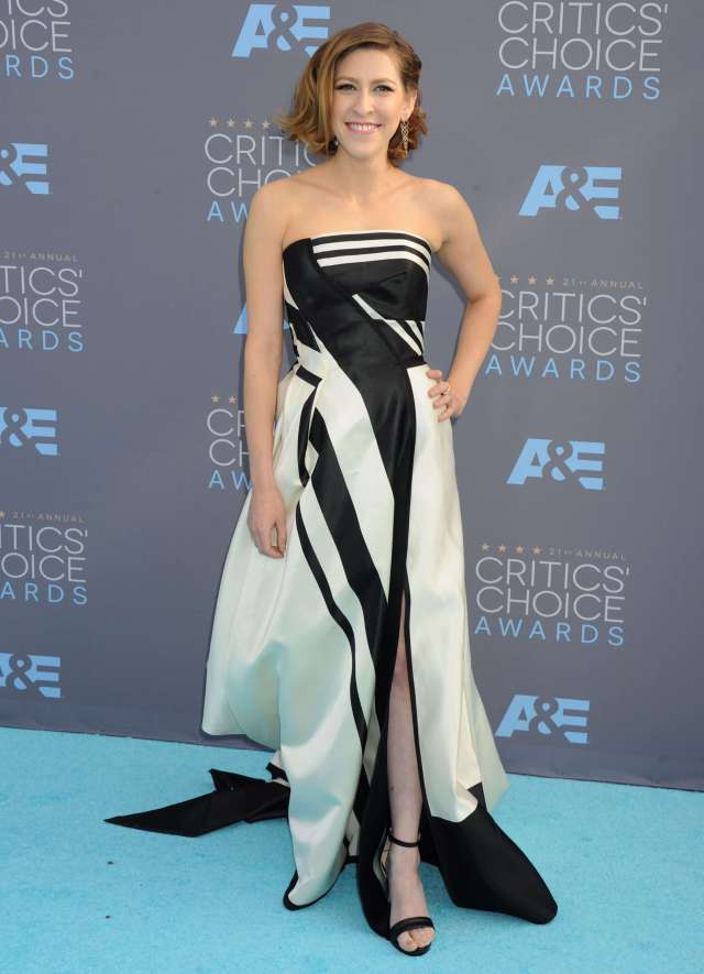 Eden Sher dress awesome