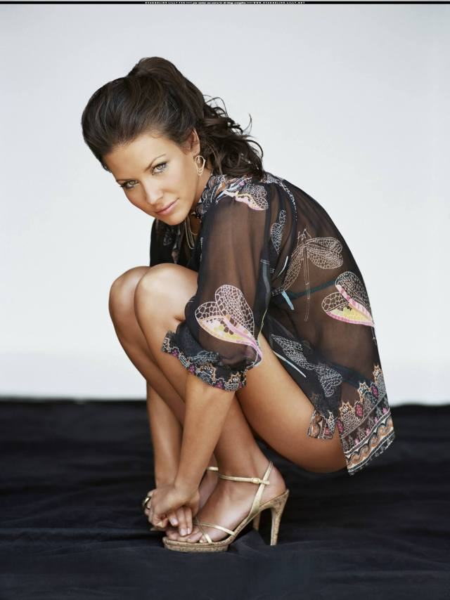 Evangeline lilly busty