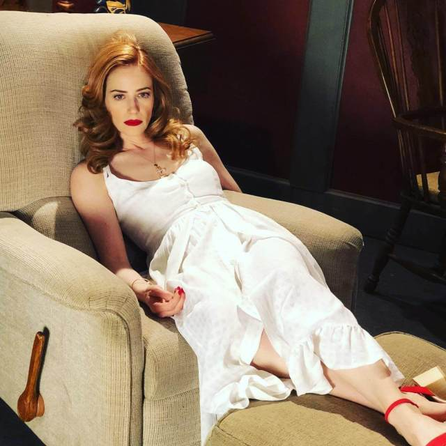 Jaime Ray Newman cleavages awesome pic