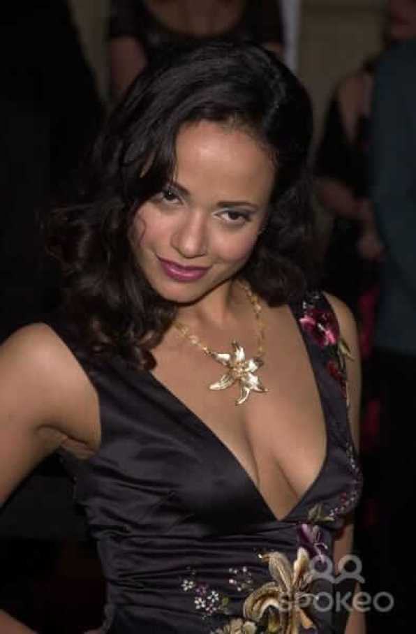 Judy Reyes sexy cleavage