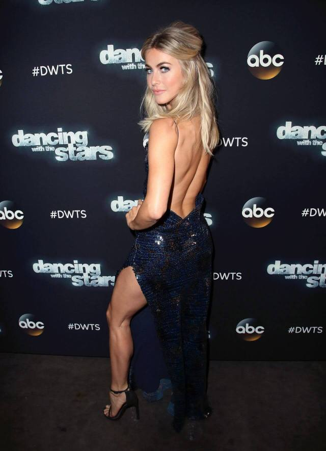 Julianne Hough sexy butt photo