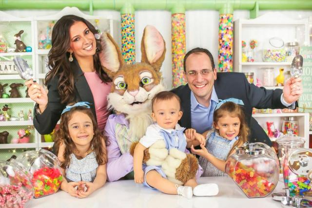 Julie-Banderas-with-her-family-in-happy-easter