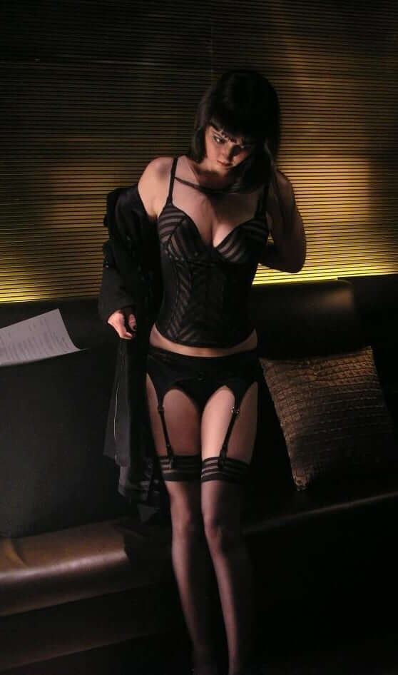 Katharine Isabelle sexy lingerie pic