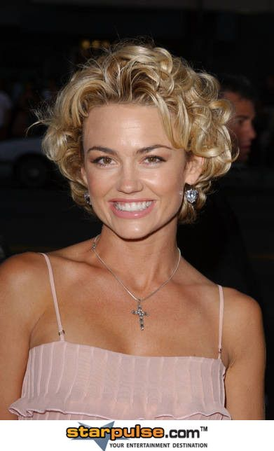 Kelly Carlson Photoshoot Pics