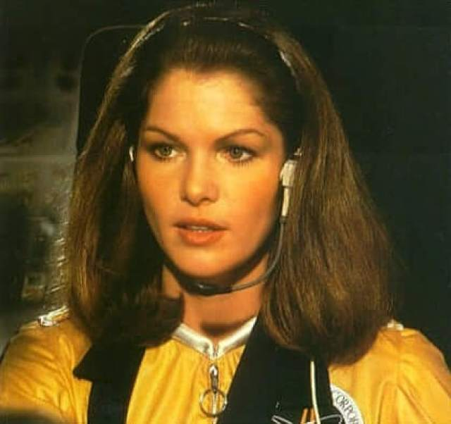 Lois Chiles awesome pic (2)