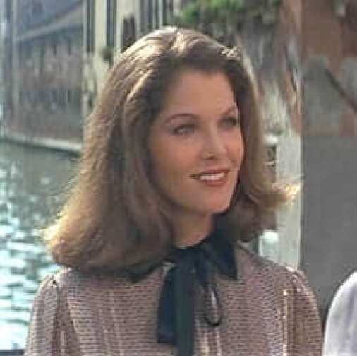 Lois Chiles hot pic