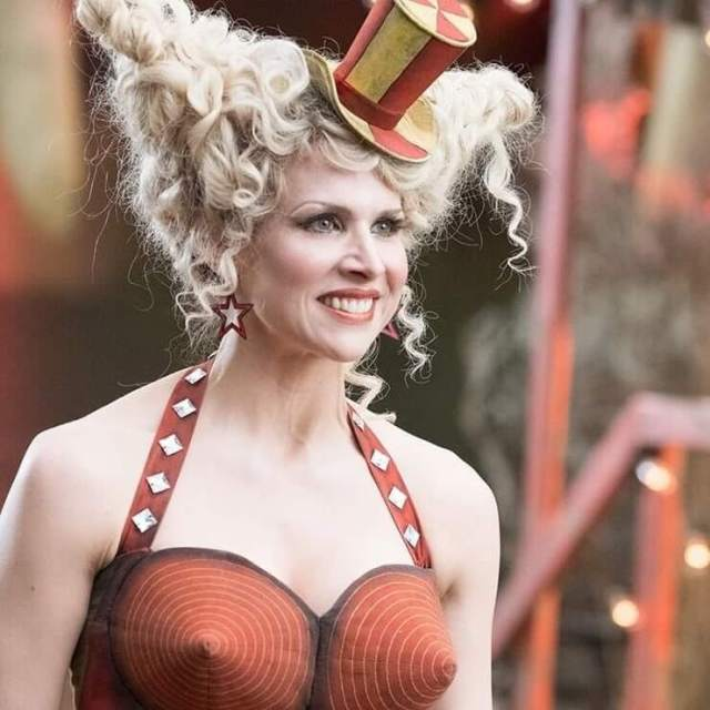 Lucy Punch hot pic