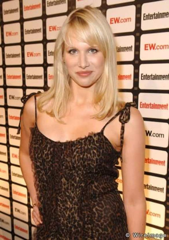 Lucy Punch sexy