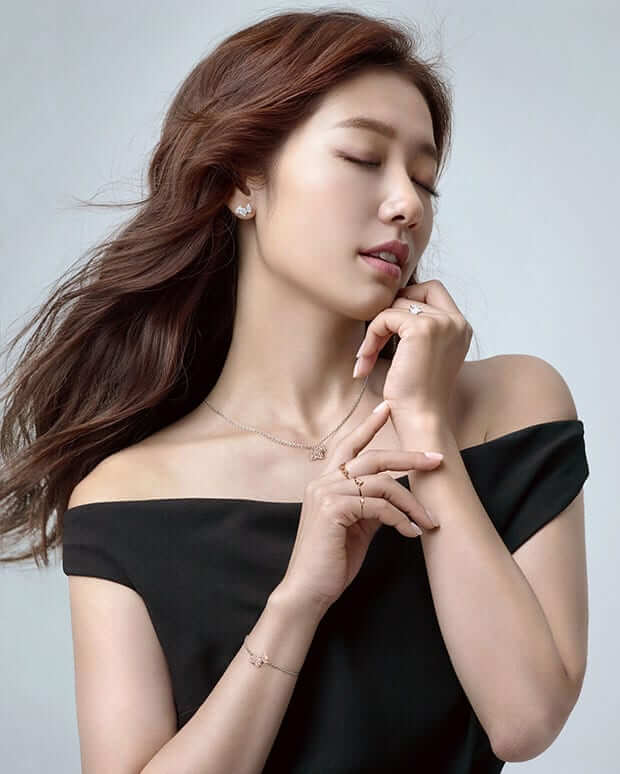 Park Shin Hye sexy pictures