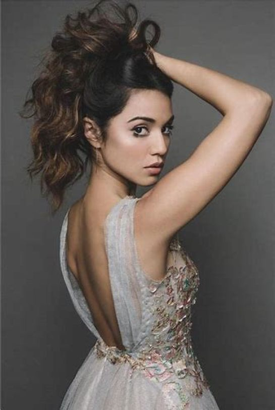 49 Hot Pictures Of Summer Bishil Will Make You Fall In ...