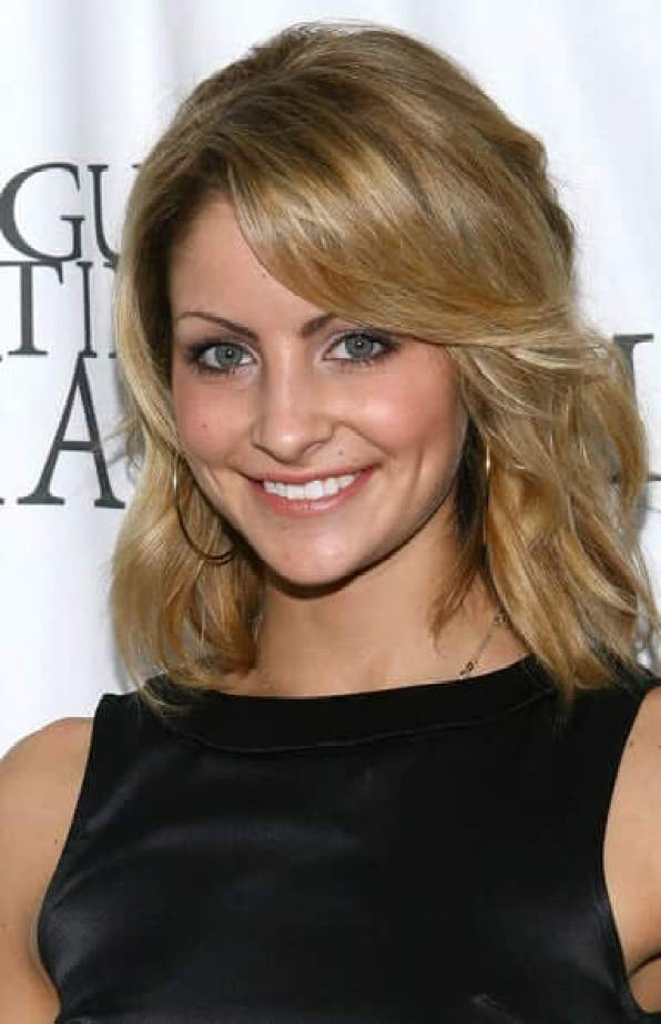 Tanith Belbin sexy smile pic