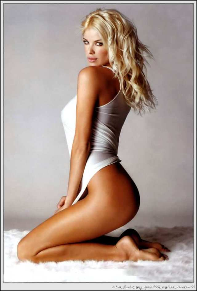 Victoria Silvstedt awesome butt