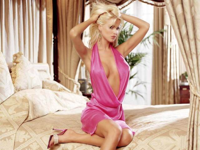 Victoria Silvstedt hot picture