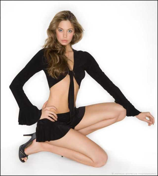 analeigh tipton thighs pics
