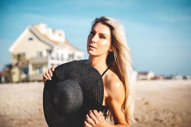 charlotte flair looking sexy