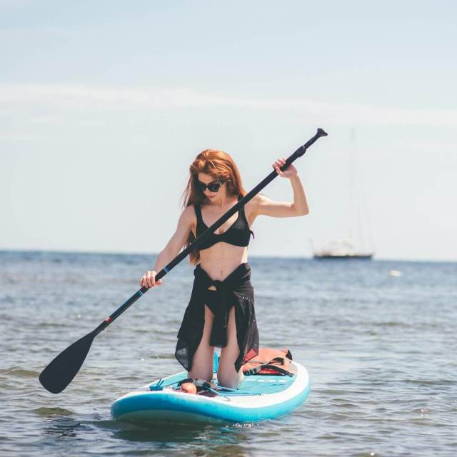 laura carter paddle board