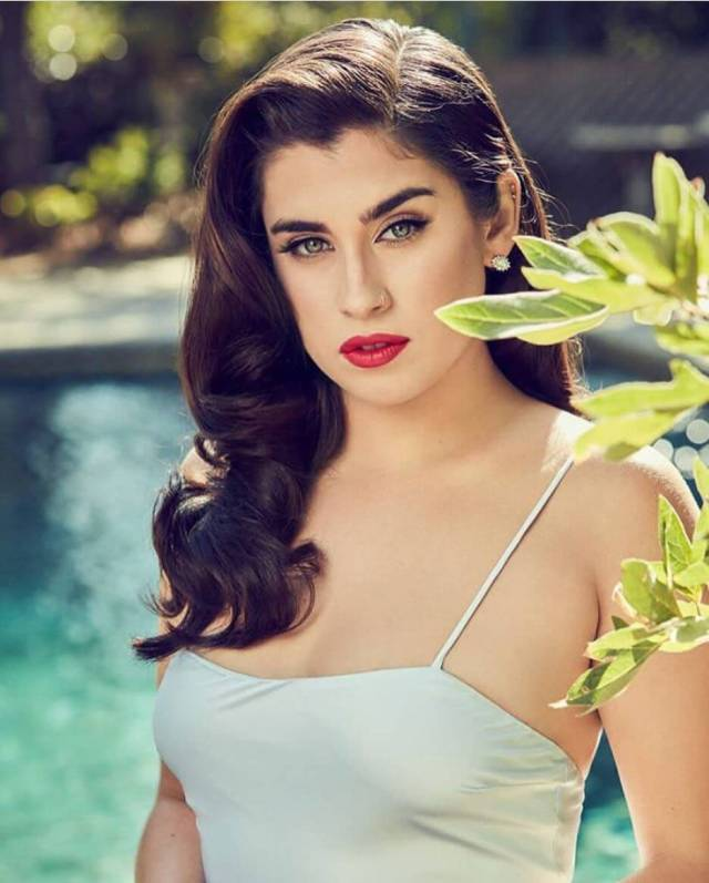 lauren jauregui hot lips