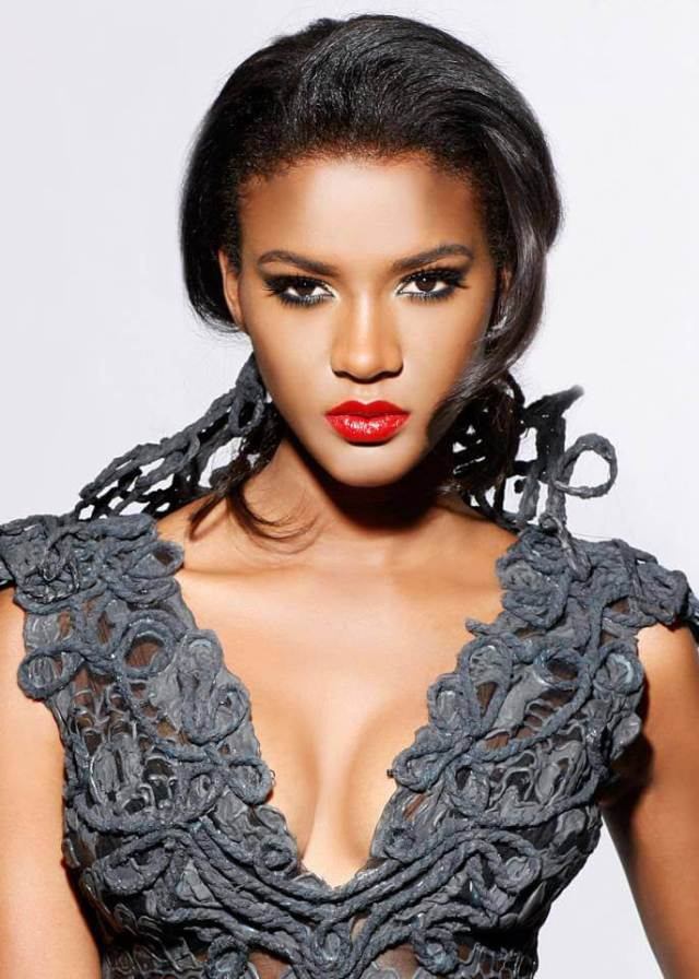 leila lopes cleavage pictures