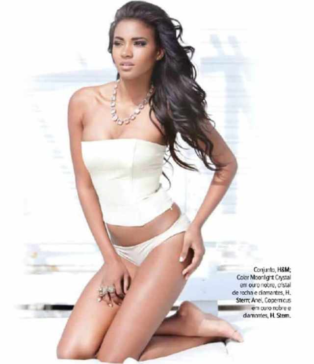 leila lopes hot thighs01