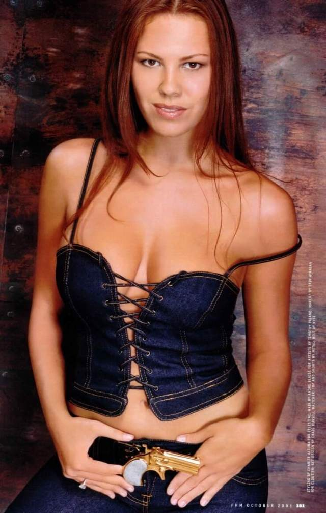 nikki cox cleavage picctures