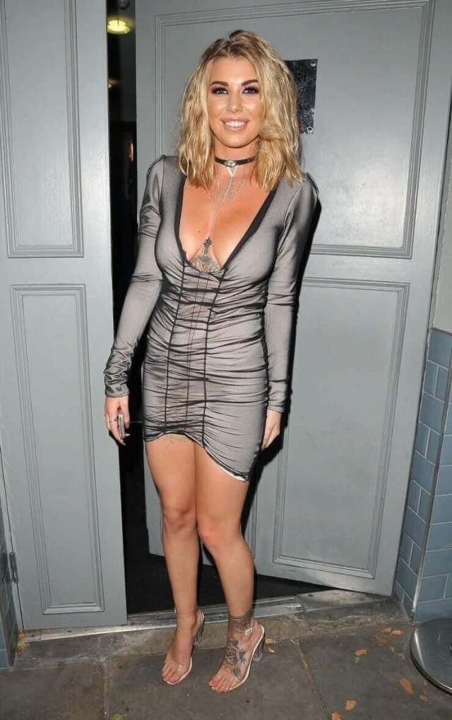 olivia buckland cleavage pictures