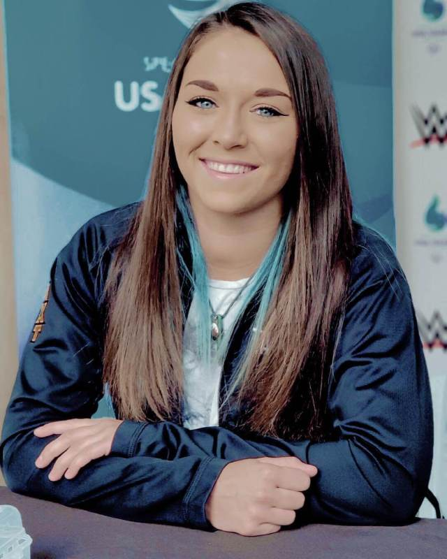 tegan nox pretty
