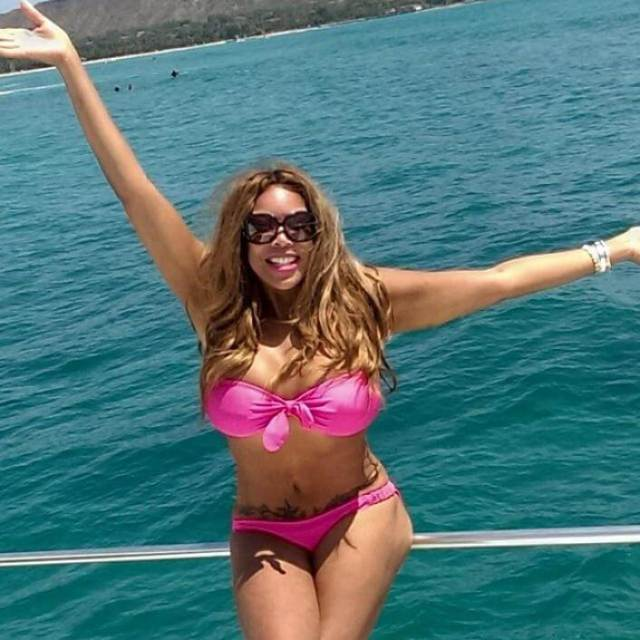 wendy williams pink bikini