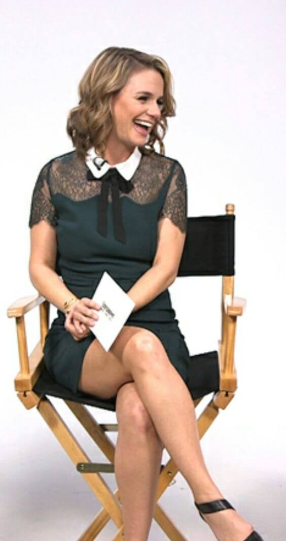 Andrea Barber hot thighs