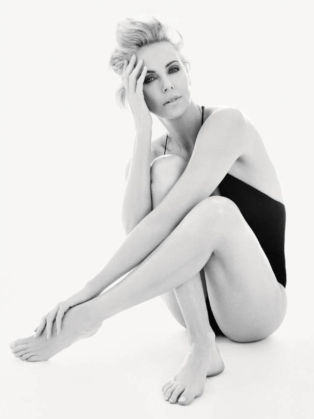 Charlize-Theron-sexy-feet