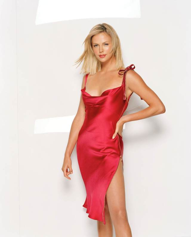 Charlize-Theron-sexy-red-dress-