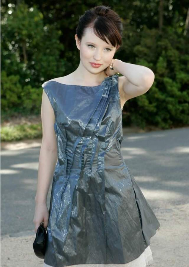 Emily Browning awesome photo (2)
