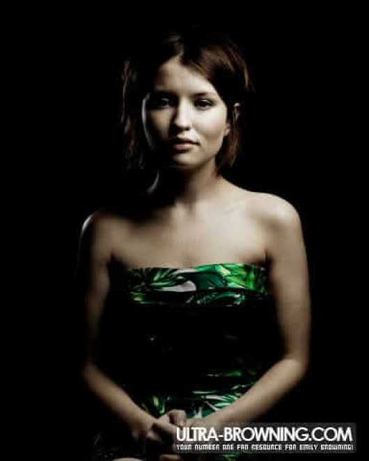Emily Browning awesome pictures