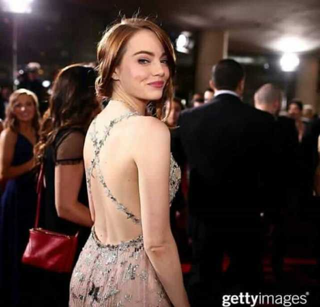 Emma Stone hot and sexy smile (2)