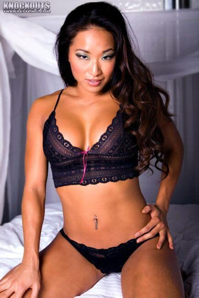 Gail Kim hot navel