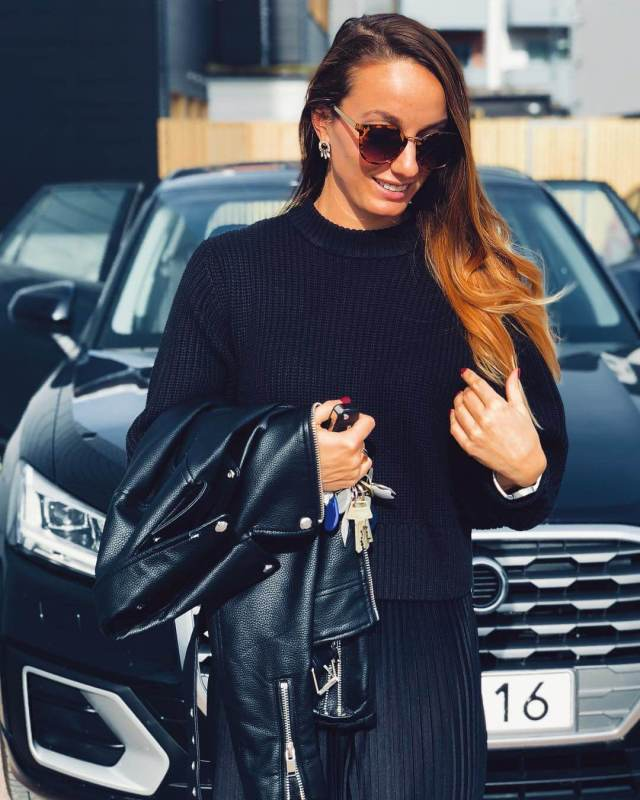 KOSOVARE ASLLANI hot black dress