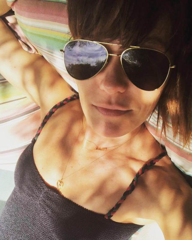 Katie Aselton hot cleavage pic