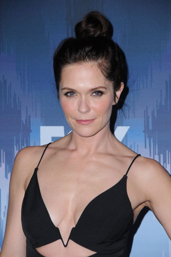 Katie Aselton hot cleavage