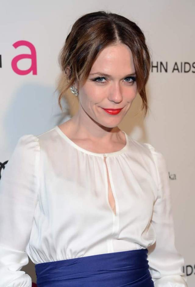 Katie Aselton hot pictures