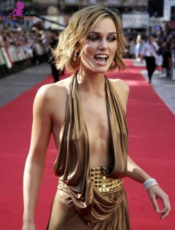 Keira Knightley hot cleavages (2)